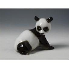 """Медвежонок панда"" скульптура"